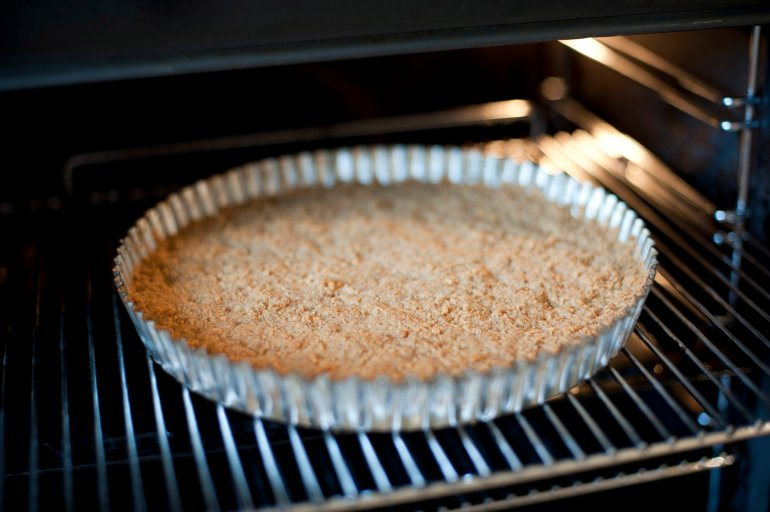 What Pan To Use In Baking Cake