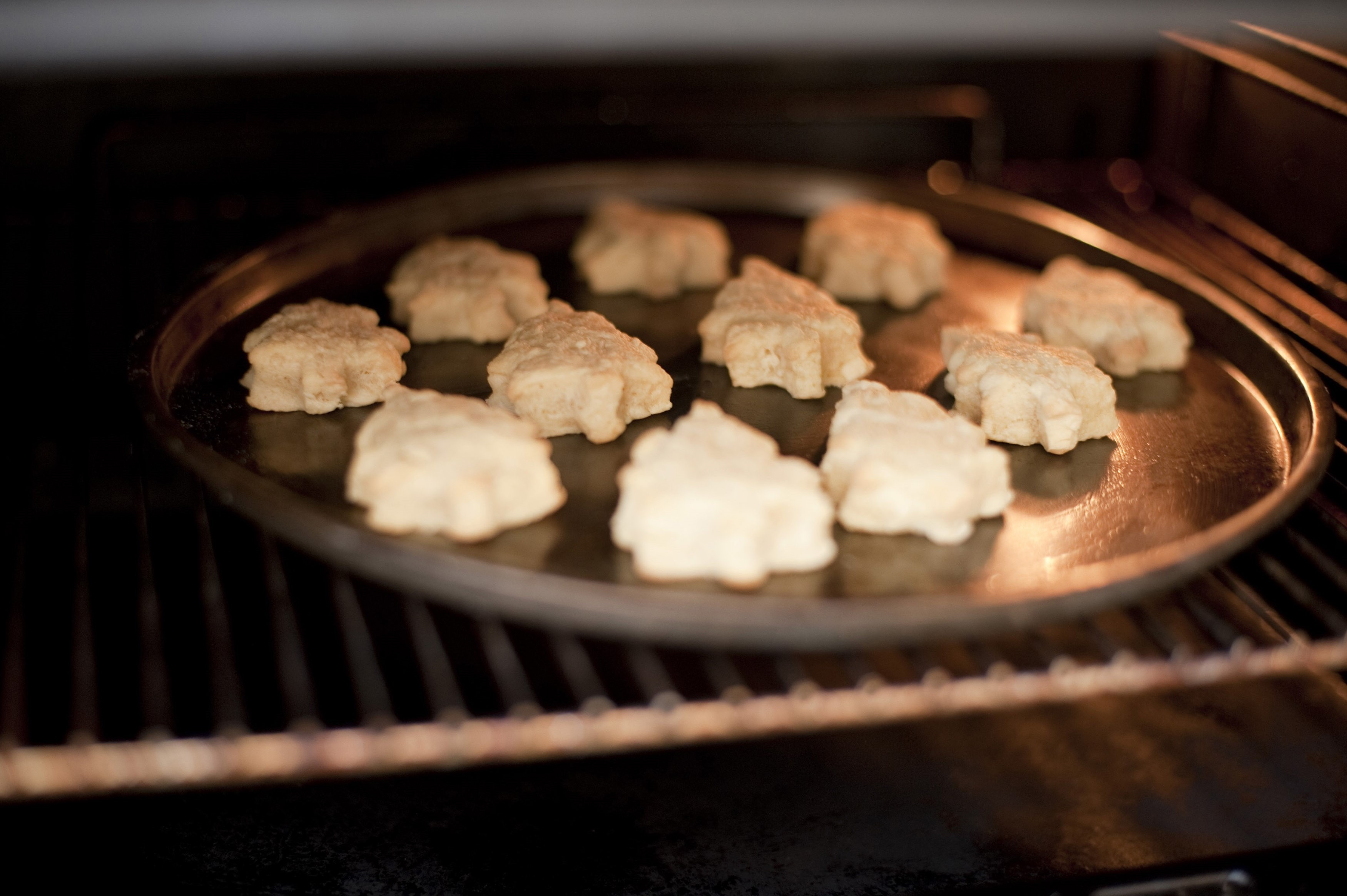 christmas cookies baking in the oven free stock image